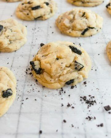 Stuffed Cookies and Cream Cookie
