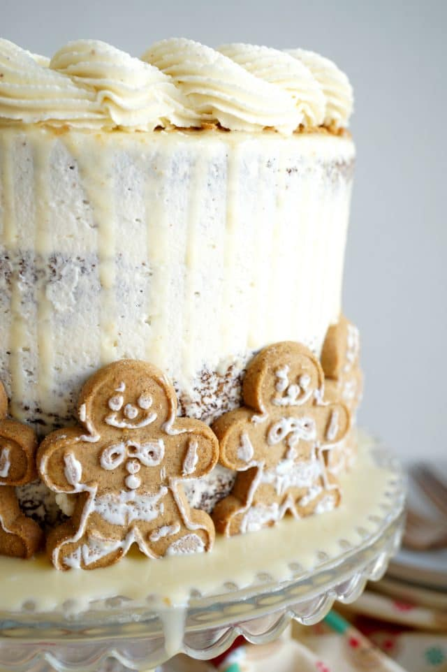 gingerbread cake with mini gingerbread cookies