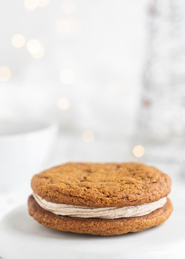 a ginger sandwich cookie closeup